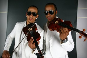 Picture of the duo Nuttin' But Stringz